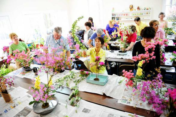 Attend our Japanese Flower Arranging class